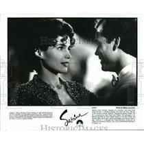 "1995 Press Photo Julia Ormond and Greg Kinnear in ""Sabrina"" - cvb73787"