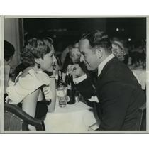 1933 Press Photo Mae Clarke & Sydney Blackmer at Beverly Wilshire Hotel