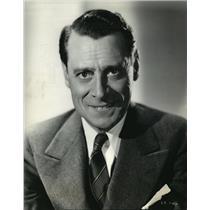 1943 Press Photo Edward Ciannelli in RKO Radio's Flight For Freedom