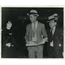 "1932 Press Photo Sam Benyas and John McGuire, ""Kloss Kolumn"" - mja12818"