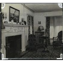 1927 Press Photo David Bloodgood's Living room - mja16680