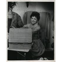 1981 Press Photo Mrs. S.V. Abramson - mja02366