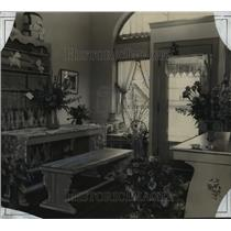 1928 Press Photo View of the interior of Betty Bartlett's new linen shop