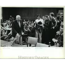 1982 Press Photo Harold A. Breier was applauded before speaking at City Hall