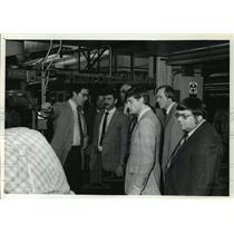 1982 Press Photo Add Incorporated plant tour  - mja01828