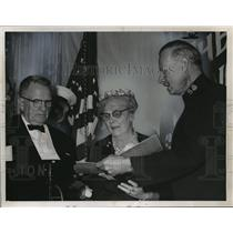 1962 Press Photo Mr. and Mrs. John H. Glenn Sr. and Lt. Col. Paul S. Kaiser.