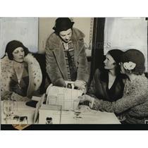 1930 Press Photo Members of Milwaukee society women  - mja16210