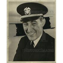 1943 Press Photo Ensign Robert W. Dean, an engineer with the navy Sea Bees