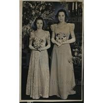 1937 Press Photo Josephine Kenney & Virginia Loeffler on coming-out party