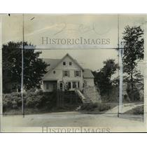 1933 Press Photo Little Meadowmere farm house of Mrs. Mitchell Young - mja16658