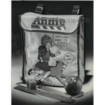 1982 Press Photo Annie backpack, $6.49 at Gimbels - mja11108