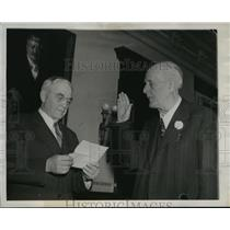 1945 Press Photo Walter S. Goodland and Chief Justice Marvin B. Rosenberry