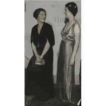1935 Press Photo Mrs. Dwight D. Booth and Mrs. Joseph Gutenkunst - mja17775