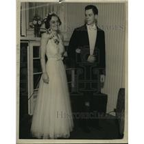 1937 Press Photo Mr. and Mrs. Fred Kasten Jr. - mja14634