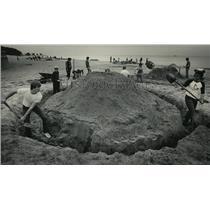 1984 Press Photo Sand sculpture at Bradford Beach  - mja07248