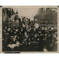 1922 Press Photo His Holiness Pope Pius XI being crowned