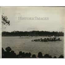 1929 Press Photo Columbia varsity crew ahead of Princeton, wins Childs Cup