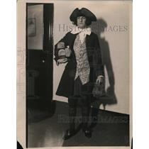 1923 Press Photo New York Adolph Schmidt impersonating Ben Franklin, age 17, NYC