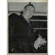 1942 Press Photo Andrew Higgins Investigated The Louisiana Shipyards - nee95381
