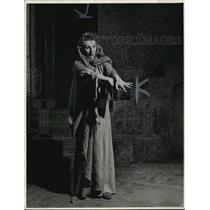 "1942 Press Photo Judith Anderson, ""Lady MacBeth,"" Actress.  - mjx01708"