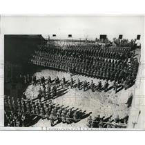 1933 Press Photo Spanish Loyalist Army recruits parade in Barcelona, Spain
