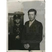 1927 Press Photo Soviet Boris Kowerda arrested in Warsaw for assault - net12278