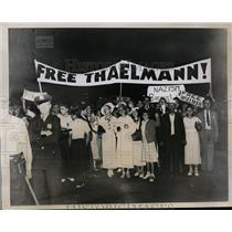 1935 Press Photo Communist demonstrators in NYC at dock for ship Bremin