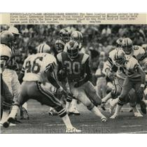 1975 Press Photo Rams Lawrence McCutcheson vs Cowboys in football action