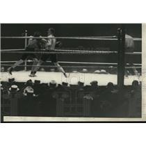 1928 Press Photo Berlenbach versus Delaney boxing bout action - net12949