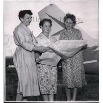 1958 Press Photo Race promoters Mrs. Hagan, Mrs. Lamb, and Mrs. Seavey