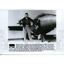 1992 Press Photo Pilot Chuck Yeager Beside Bell X-1 - spp01067