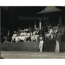1925 Press Photo Henderson Castle in DC fans at tennis match in diplomatic stand