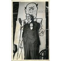 1938 Press Photo Socialist Leader Norman Thomas Speaking at Anti-Hague Meeting