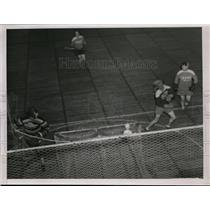 1939 Press Photo Two opposing teams at lacrosse on a field - net10301
