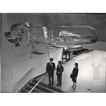 1965 Press Photo Flight Captains and Stewardess Gaze at Progress of Flight