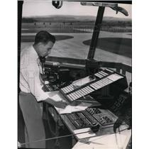 1953 Press Photo Ben Heath Senior Tower Controller - spa22218