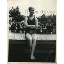 1924 Press Photo Doris S MacCann wins 50 yard swim at Boston - net12598
