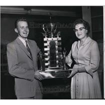 1960 Press Photo Dwayne Schnettler receives Memorial Award from Mrs H S Perry