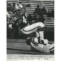 1976 Press Photo Patriot Mike Haynes vs Eagles George Campbell - net14466