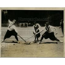 1926 Press Photo Mills College girls at field hockey in California - net09177