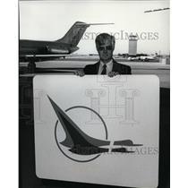 1980 Press Photo Jack Whitehill, Hughes Airwest, Republic Airwest logo
