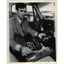 1979 Press Photo Bird control program at the Portland International Airport