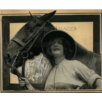 1924 Press Photo Christine Morey & horse Pippin for US polo team mascot