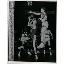 1956 Press Photo Illinois HS basketball  Rockford's John Wessels vs Edwardsville