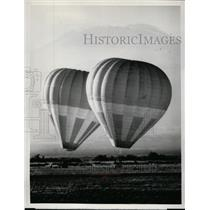 1976 Press Photo Alan Root's Hot-Air Balloons at the base of Mt Kilimanjaro