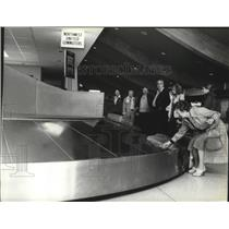 1979 Press Photo Spokane International Airport Terminal Baggage Carrousel