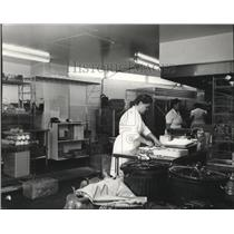 1985 Press Photo Kitchen Spokane International Airport - spa28224
