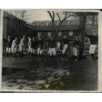 1927 Press Photo Harvard Varsity baseball candidates & coach Fred Mitchell