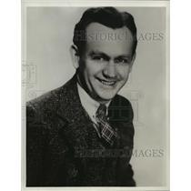 1944 Press Photo Cliff Arquette in Glamour Manor - mjx06111