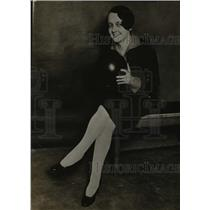 1927 Press Photo Cecilia Groh with a biwling ball at a alley - net16540